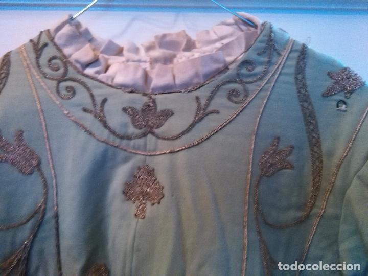Antigüedades: GRAN VESTIDO MUSEO S XIX CELESTE PAÑETE BORDADO PLATA CONFECcion VIRGEN TEATRO CIRCO semana santa - Foto 3 - 85441768