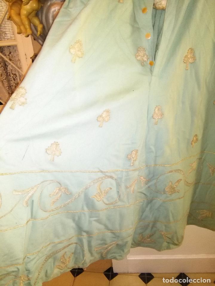 Antigüedades: GRAN VESTIDO MUSEO S XIX CELESTE PAÑETE BORDADO PLATA CONFECcion VIRGEN TEATRO CIRCO semana santa - Foto 54 - 85441768