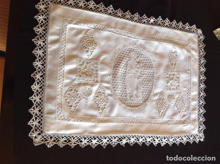 Antigüedades: ANTIGUO ALMOHADÓN BORDADO Y GANCHILLO - Foto 2 - 85457024