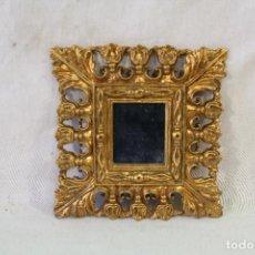 Oggetti Antichi: ESPEJO EN RESINA DORADA. Lote 90114100