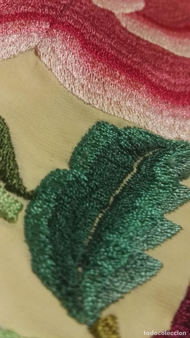 Antigüedades: Mi Manton. Manton de manila antiguo color vainilla con impresionantes peonias, cardos y campanillas - Foto 10 - 84942340