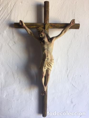 CRUCIFIJO DE PASTA DE MADERA (Antigüedades - Religiosas - Crucifijos Antiguos)