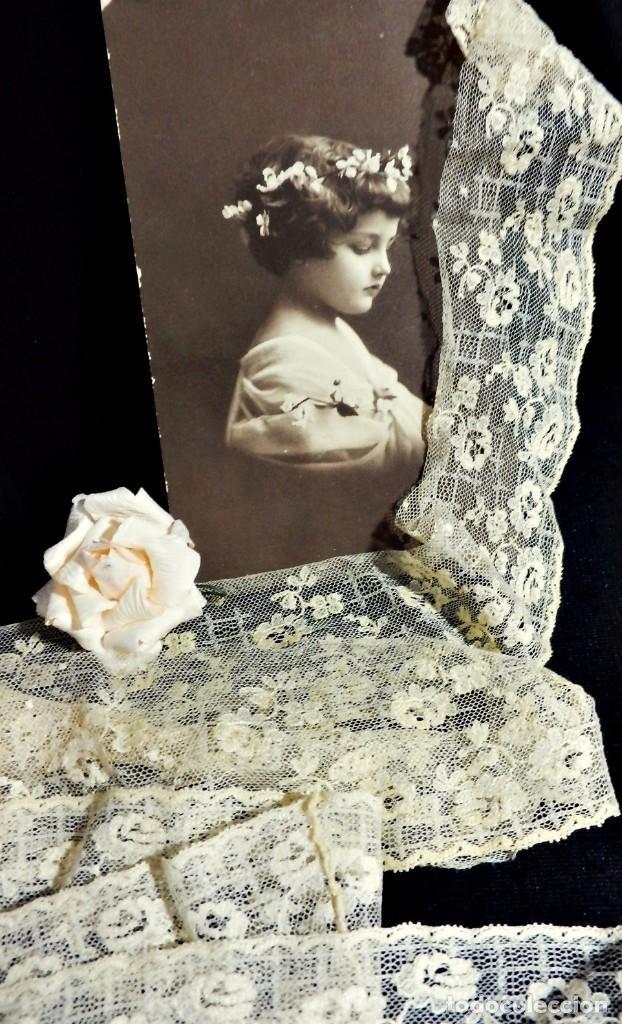 Antigüedades: 3562 Bello encaje bordado a mano encaje de Bruselas punto de aguja en seda s XIX 160 cm! - Foto 3 - 85604864