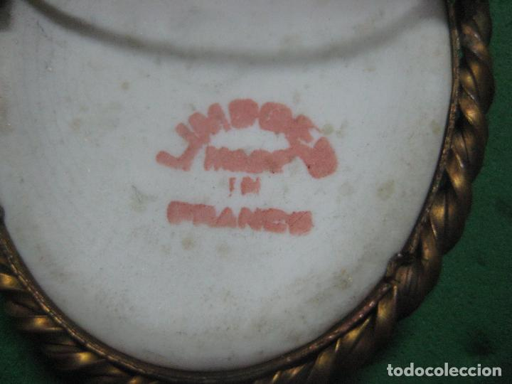 Antigüedades: ANTIGUO BROCHE CON PORCELANA DE LIMOGES PINTADA A MANO Y ESMALTADA, EN BRONCE, DATA DE SIGLO XIX - Foto 5 - 85620216