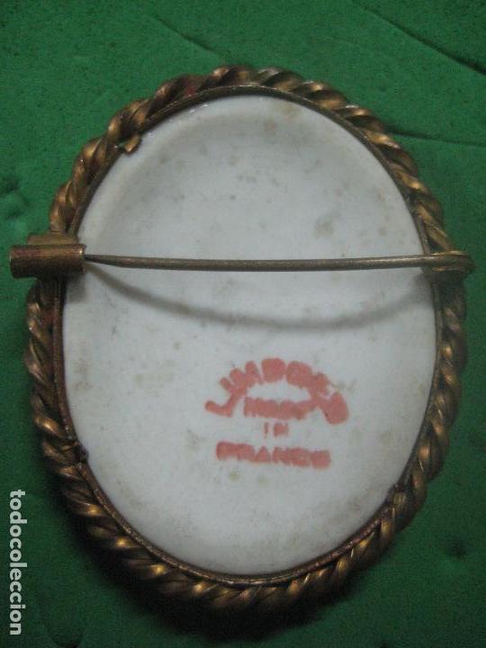 Antigüedades: ANTIGUO BROCHE CON PORCELANA DE LIMOGES PINTADA A MANO Y ESMALTADA, EN BRONCE, DATA DE SIGLO XIX - Foto 7 - 85620216