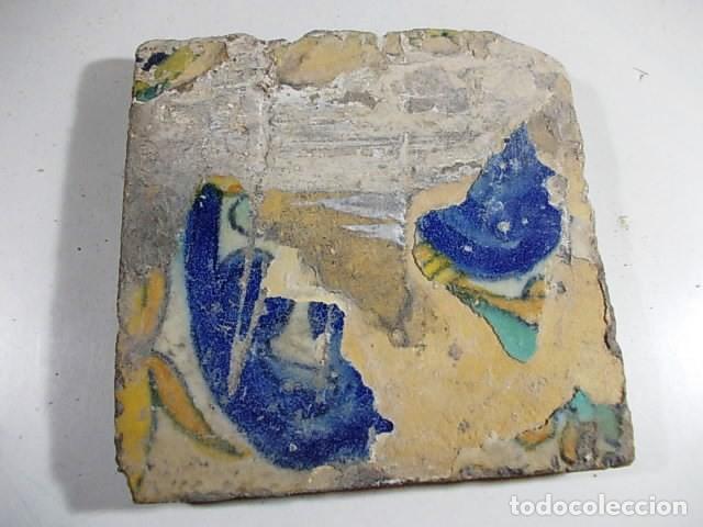 ANTIGUO AZULEJO VALENCIANO XVI- XVII CON UNAS MEDIDAS DE 12 X 12 X 1,4 CM (Antigüedades - Porcelanas y Cerámicas - Azulejos)