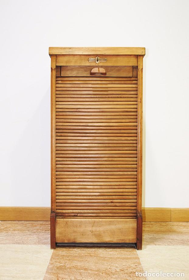 Archivador antiguo de persiana de madera de rob comprar for Muebles auxiliares clasicos madera