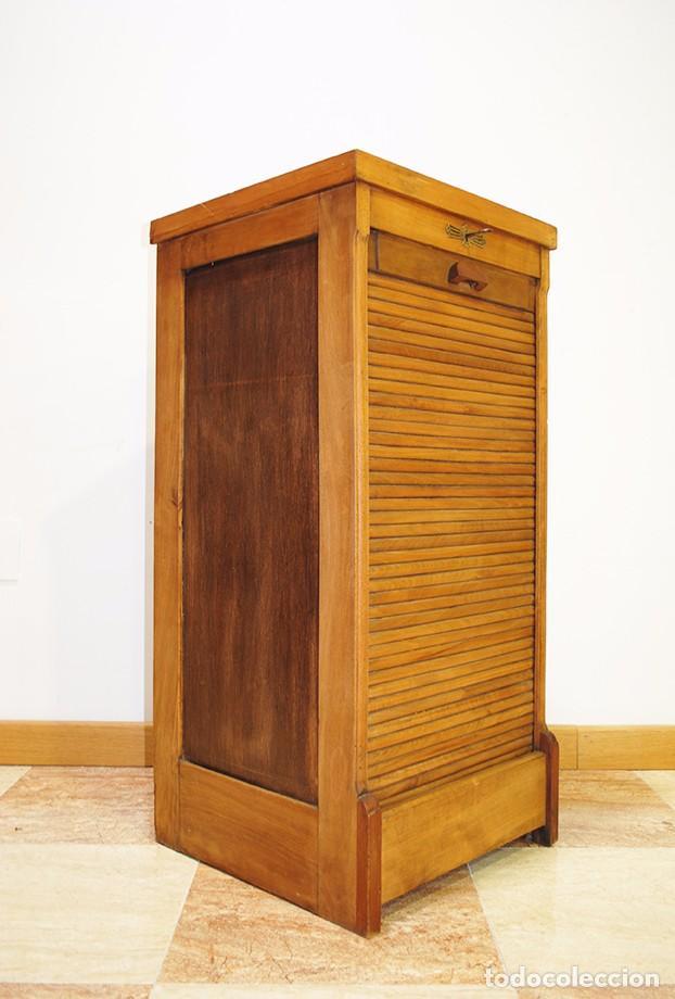 Archivador antiguo de persiana de madera de rob comprar for Muebles de roble antiguos