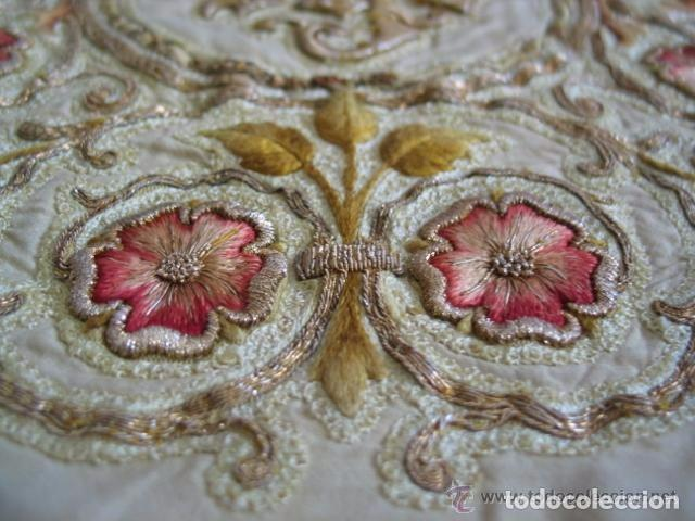 Antigüedades: Antiguo paño de hombros bordado en oro y sedas - Foto 3 - 85696144