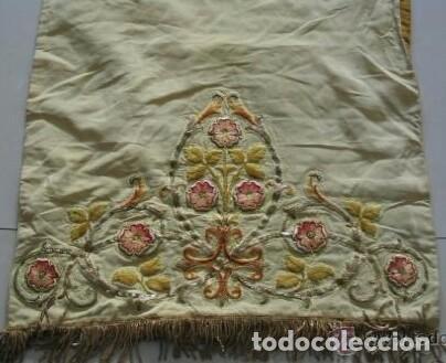Antigüedades: Antiguo paño de hombros bordado en oro y sedas - Foto 5 - 85696144
