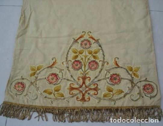 Antigüedades: Antiguo paño de hombros bordado en oro y sedas - Foto 6 - 85696144