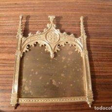 Antigüedades: MARCO DE BRONCE PARA SACRAS NEOGOTICO. Lote 85727796