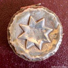 Antigüedades: SNUFF BOX DE PLATA CINCELADA - S. XIX - 5,5 CM DE DIAMETRO.. Lote 85732568
