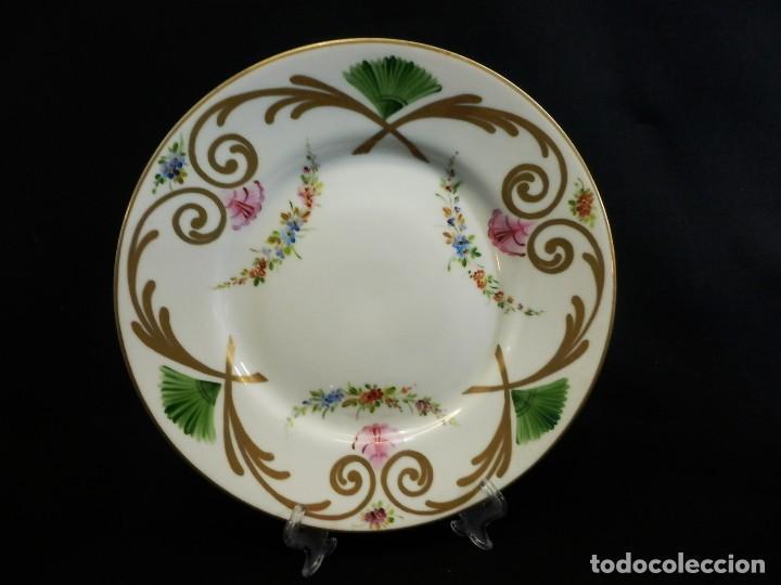 ANTIGUO PLATO FRANCÉS DE PORCELANA PINTADA A MANO (Antigüedades - Porcelana y Cerámica - Francesa - Limoges)