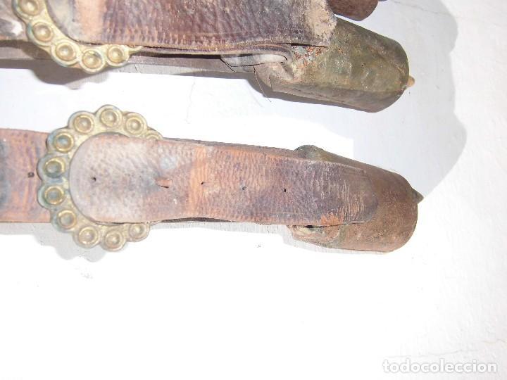 Antigüedades: cencerros antiguos con sus correas - Foto 3 - 85765888