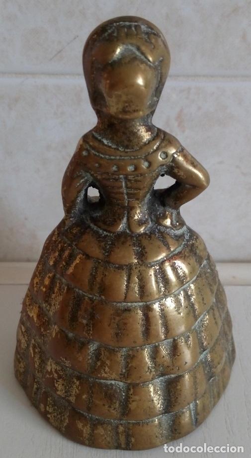 Antigüedades: ANTIGUA CAMPANILLA CAMPANA DE MANO EN BRONCE MACIZO FIGURA DE UNA MUJER DE EPOCA - Foto 2 - 85808127
