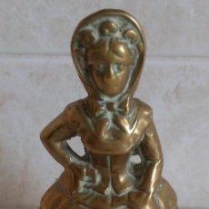Antigüedades: ANTIGUA CAMPANILLA CAMPANA DE MANO BRONCE MACIZO FIGURA DE UNA MUJER DE EPOCA. Lote 85808790