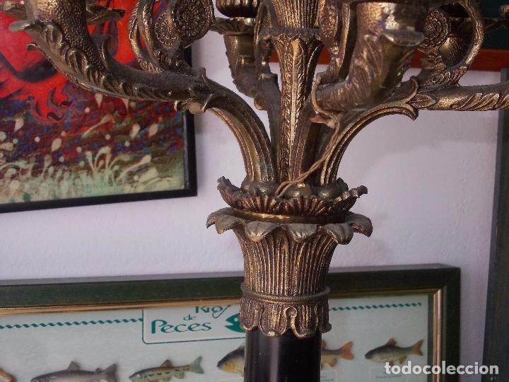 Antigüedades: Antigua lámpara de pié bronce, base mármol, brazo baquelita, siete luces. - Foto 15 - 85856520
