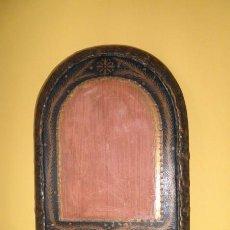 Antigüedades: MARCO ANTIGUO DE MADERA TIPO RETABLO. Lote 85924432