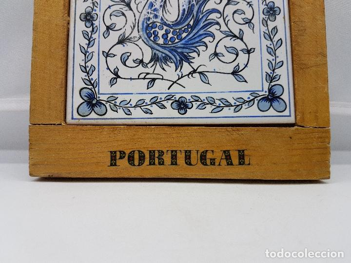 Antigüedades: Paleta de madera con azulejo de cerámica para cortar antiguo de Portugal. - Foto 3 - 85956252