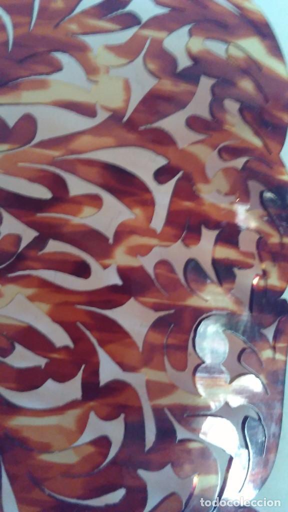 Antigüedades: Peineta calada grande antigua hecha a mano simil carey. Medidas totales: 28 cm x 26 cm - Foto 10 - 85979412