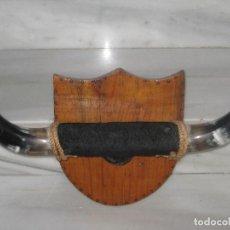 Antigüedades: CUERNOS DE TORO CON PIEL Y PEZUÑA. Lote 86057000