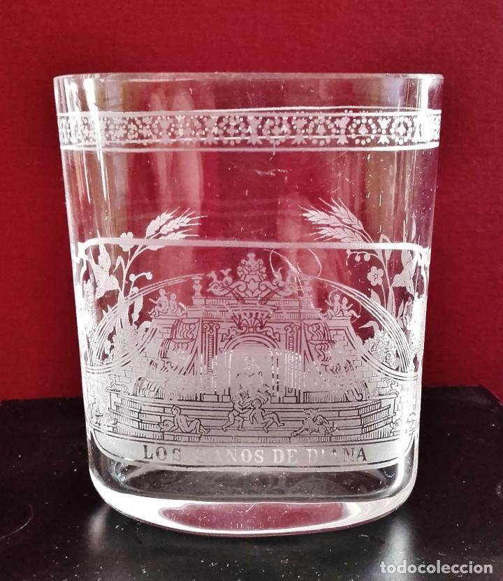 Antigüedades: Vaso faldriquera de cristal de La Granja, s. XVIII. Decoración con La Fuente de Los Baños de Diana. - Foto 2 - 86073488