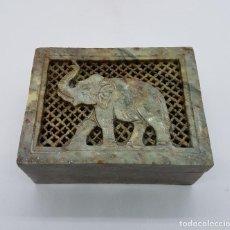 Antigüedades: CAJA INCENSARIO ANTIGUO TALLADO EN PIEDRA HECHA EN LA INDIA CALADA Y CON ELEFANTE TALLADO.. Lote 86089068