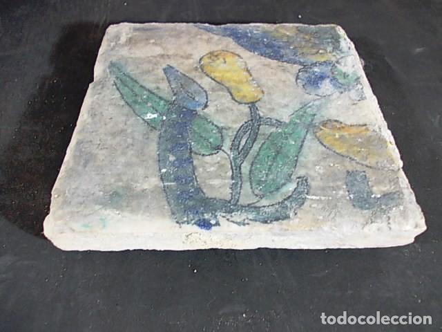 Antigüedades: 16-ANTIGUO AZULEJO VALENCIANO DEL XVII-XVIII CON UNAS MEDIDAS DE 14 X 13,75 X 2,2 CM D-108 40€ - Foto 2 - 86090320