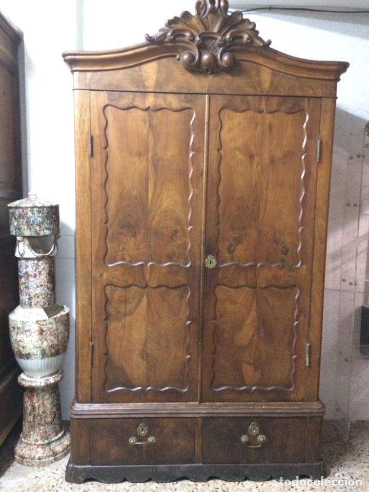 ANTIGUO ARMARIO DE RAÍZ DE NOGAL (Antigüedades - Muebles Antiguos - Armarios Antiguos)
