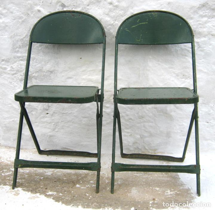 Antigüedades: pareja de sillas de hierro plegables en verde - antiguas y originales - industrial terraza jardin - Foto 5 - 86238616