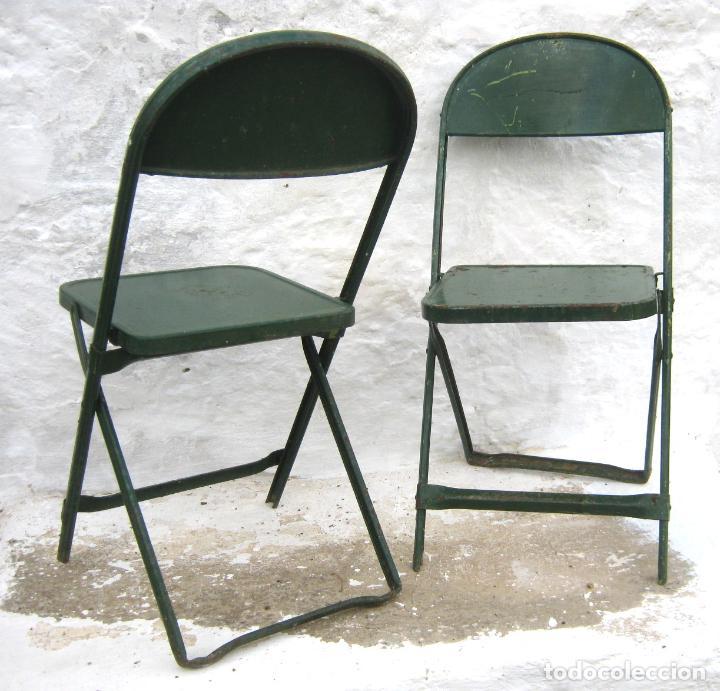 Antigüedades: pareja de sillas de hierro plegables en verde - antiguas y originales - industrial terraza jardin - Foto 7 - 86238616