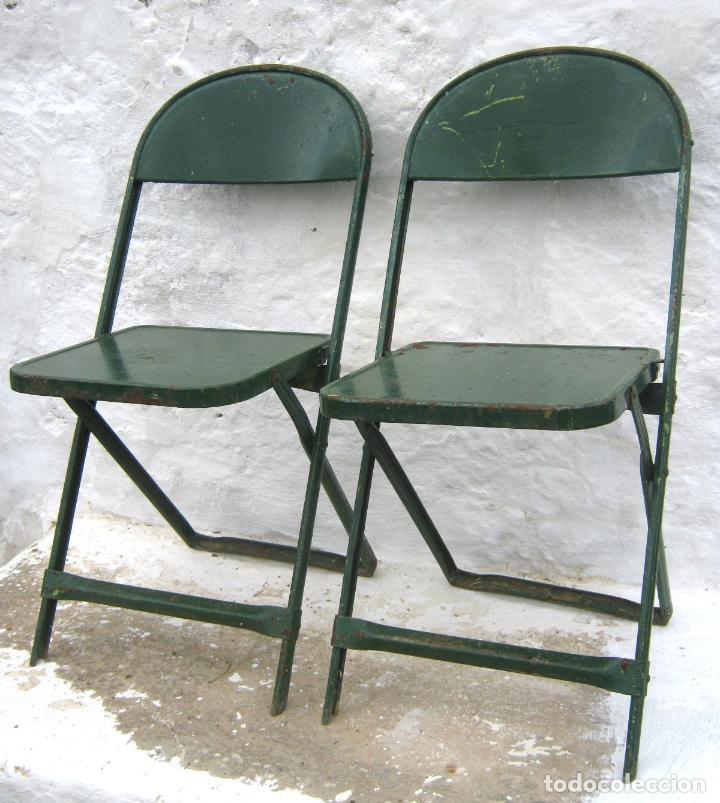 Antigüedades: pareja de sillas de hierro plegables en verde - antiguas y originales - industrial terraza jardin - Foto 8 - 86238616
