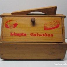 Antigüedades: BONITA CAJA DE MADERA LIMPIA ZAPATOS - VER FOTOS. Lote 86245388