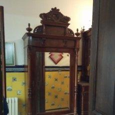 Antigüedades: ARMARIO ROPERO ANTIGUO ALFONSINO CON ESPEJO. Lote 86250732