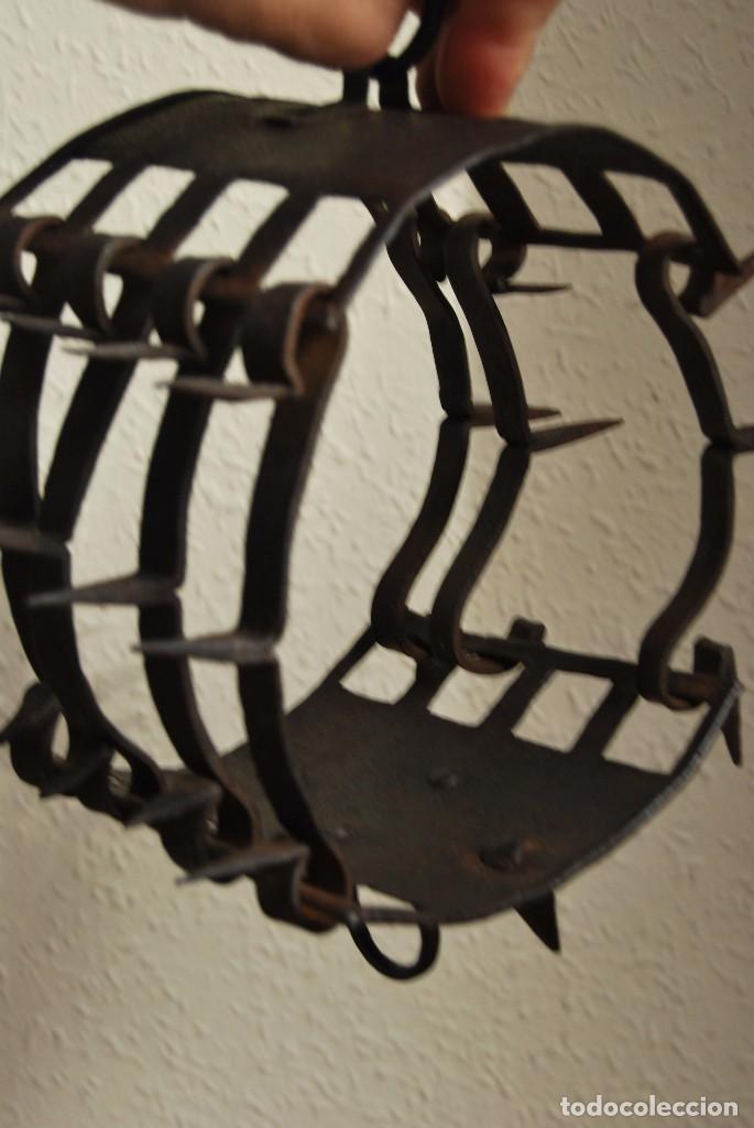 Antigüedades: CARLANCA DE HIERRO FORJADO - COLLAR DE PERRO PROTECCIÓN DE LOS ATAQUES DEL LOBO - CARRANCA - S.XVIII - Foto 15 - 86262596