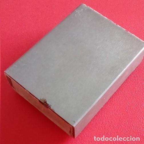 Antigüedades: ANTIGUA CAJA DE CERILLAS METALICA CON LA IMAGEN DE UN SANTO EN RELIEVE - Foto 5 - 86263344