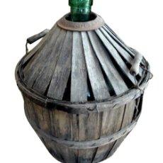 Antigüedades: GARRAFA DE VIDRIO FORRADA. Lote 86263984