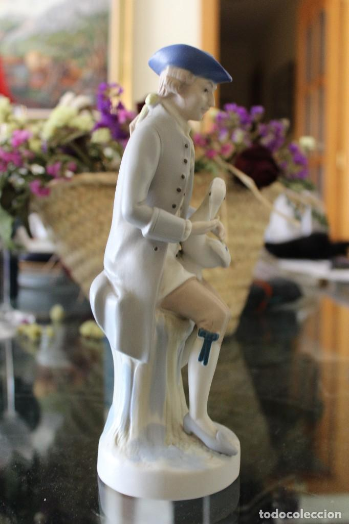 Antigüedades: Antigua Figura porcelana mujer con perro Pales - Foto 4 - 86269700