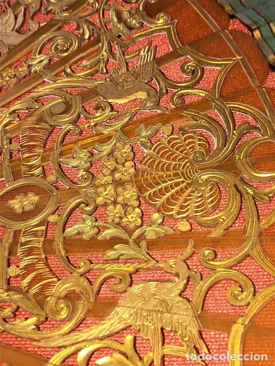 Antigüedades: ABANICO. VARILLAJE EN CAREY O ASTA. TELA PINTADA. ESPAÑA. FIN SIGLO XIX - Foto 9 - 86283000