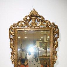 Antigüedades: ESPEJO RECTANGULAR ANTIGUO DE MADERA DORADA. Lote 86297432