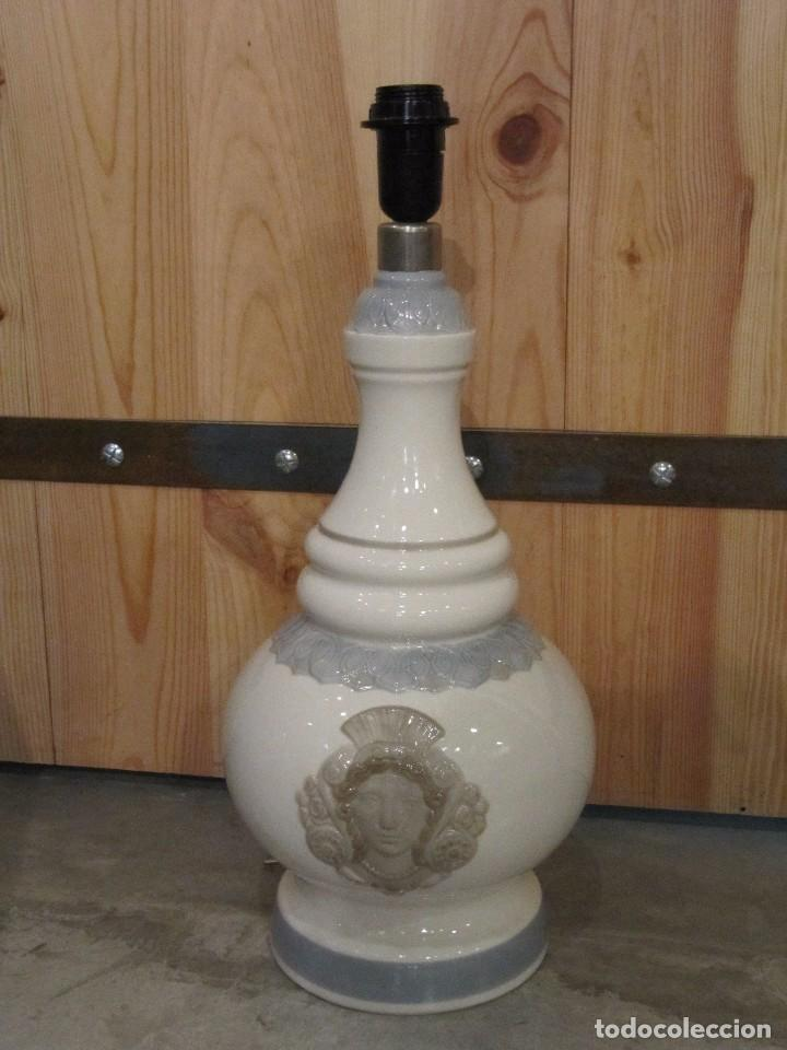 GRAN LAMPARA EN CERAMICA DE LLADRO - MODELO ALFIL OLIMPIA - FUNCIONANDO - AÑOS 70 (Antigüedades - Porcelanas y Cerámicas - Lladró)