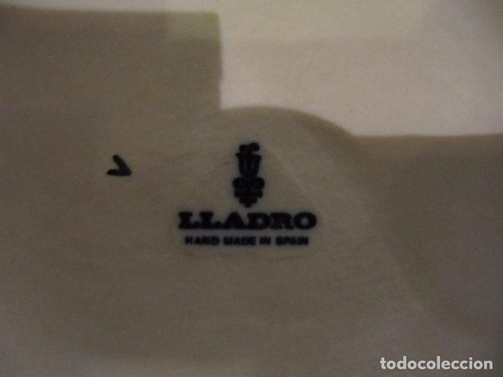 Antigüedades: GRAN LAMPARA EN CERAMICA DE LLADRO - MODELO ALFIL OLIMPIA - FUNCIONANDO - AÑOS 70 - Foto 5 - 86297776