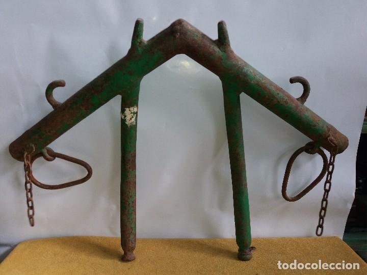 YUGO DE HIERRO (Antigüedades - Técnicas - Rústicas - Ganadería)