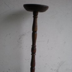 Antigüedades: ANTIGUO MACETERO DE MADERA TORNEADA. Lote 86453688