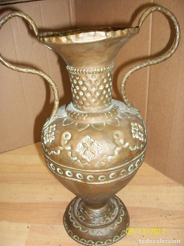 Antigüedades: ANTIGUO FLORERO DE COBRE - Foto 3 - 86463772
