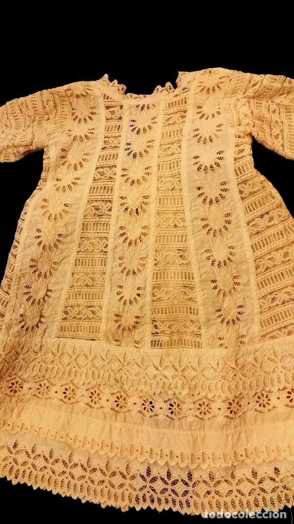Antigüedades: precioso traje de bebe encaje antiguo cristianar, bautizo, modernista buena condicion para su uso - Foto 4 - 86530604