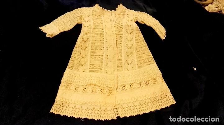 Antigüedades: precioso traje de bebe encaje antiguo cristianar, bautizo, modernista buena condicion para su uso - Foto 5 - 86530604