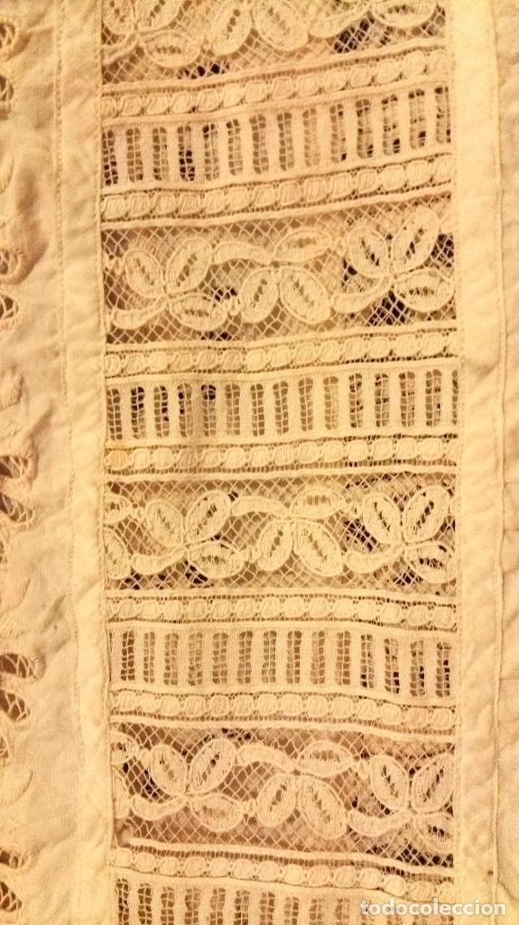 Antigüedades: precioso traje de bebe encaje antiguo cristianar, bautizo, modernista buena condicion para su uso - Foto 6 - 86530604