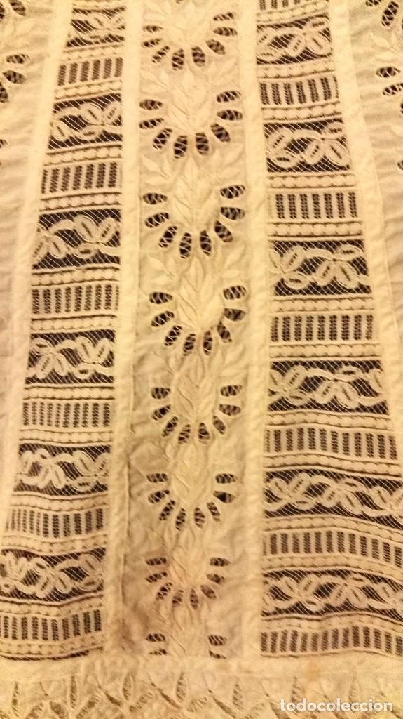 Antigüedades: precioso traje de bebe encaje antiguo cristianar, bautizo, modernista buena condicion para su uso - Foto 8 - 86530604